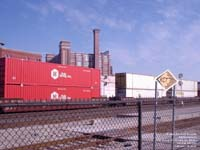 Hub Group containers moving a BNSF intermodal train in Kansas City